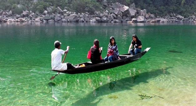 Khabar Odisha:travel-tourism-umngot-river-the-paradise-of-meghalaya