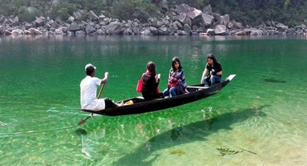 Khabar Odisha:travel-tourism-umngot-river-the-paradise-of-meghalaya