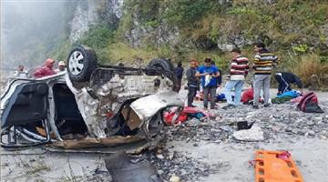 Khabar Odisha:uncontrolled-car-fell-into-ditch-five-people-died-on-the-spot-in-Mussoorie